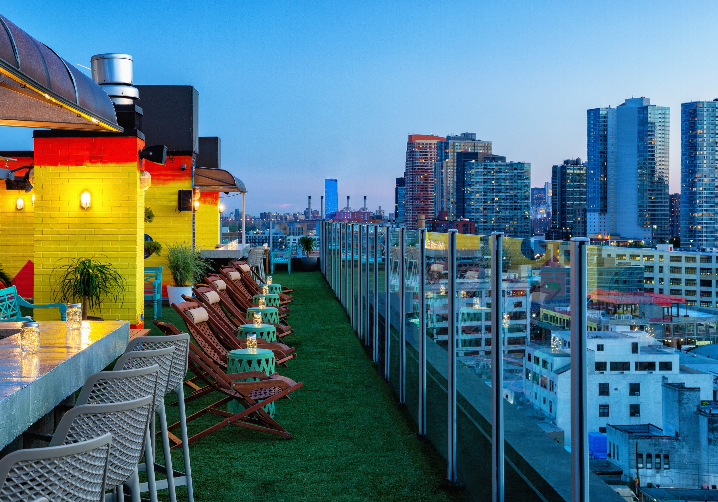 Savanna Rooftop NYC - Long Island City Skyline Views