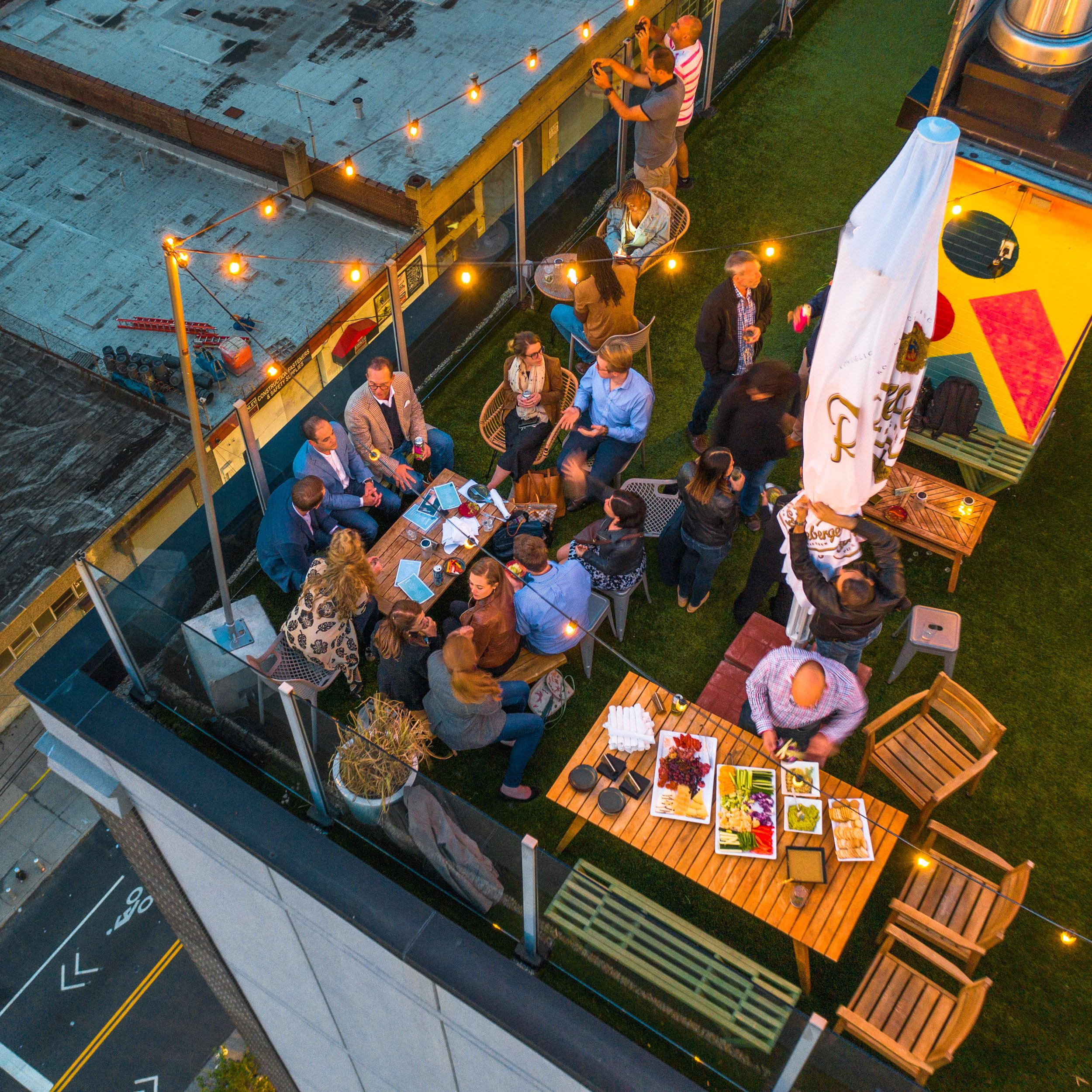 Happy Hour - Savanna Rooftop